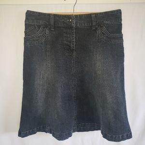 Contrast demim size 7 flared skirt A line